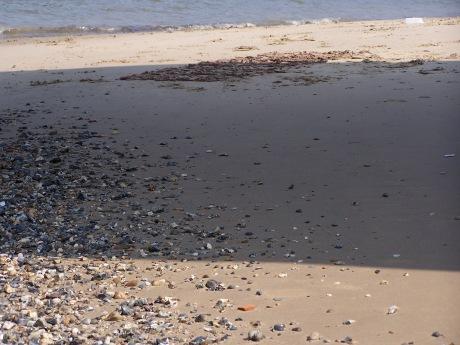 documentation of clay happening 2, estuary mud on clay, 2007